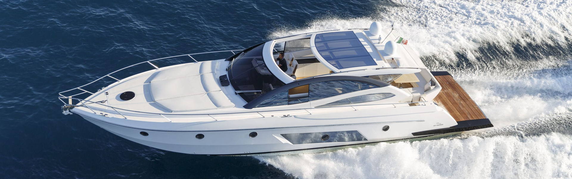 slide-yacht